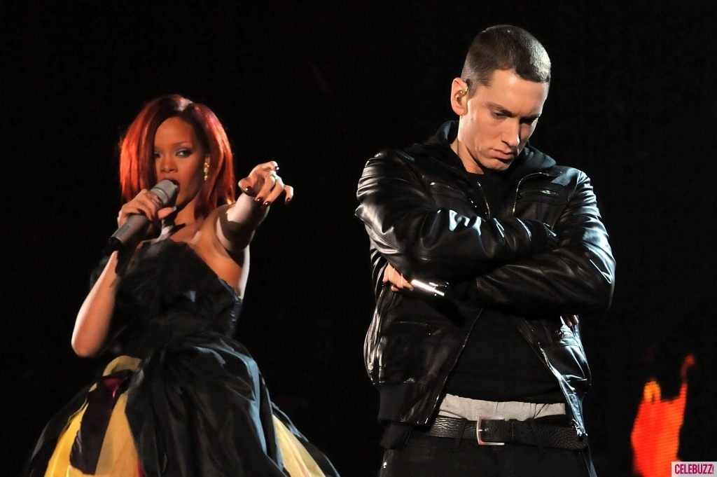 The Monster Eminem ft. Rihanna Testo e Accordi Chords per Chitarra