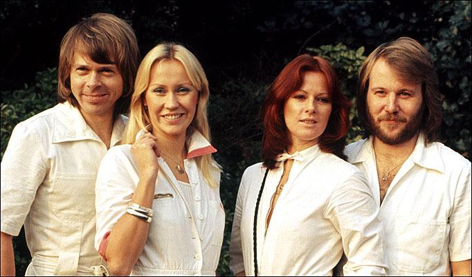 Dancing queen ABBA Testo e Accordi per Chitarra
